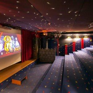 Cinema e sala teatro con Softplayhouse